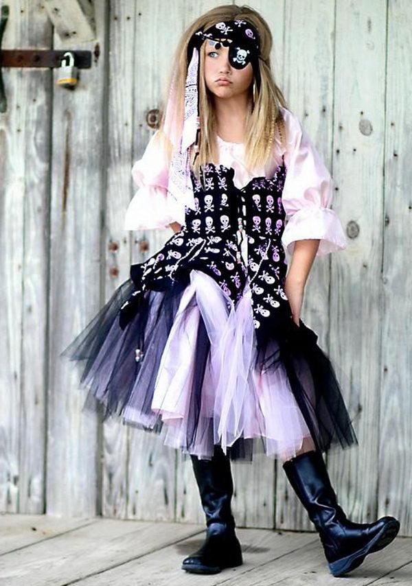 1 pirate girl costume