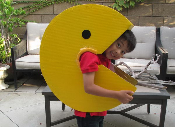 13-diy-pacman-kid-costume-idea