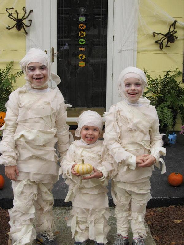 37-little-mummies-kid-costume