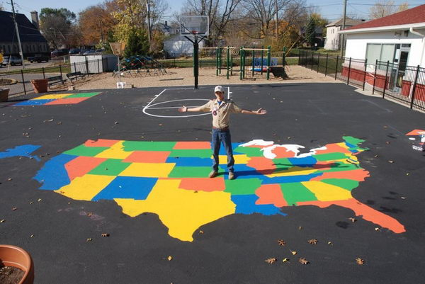 2 us map painting on school playground