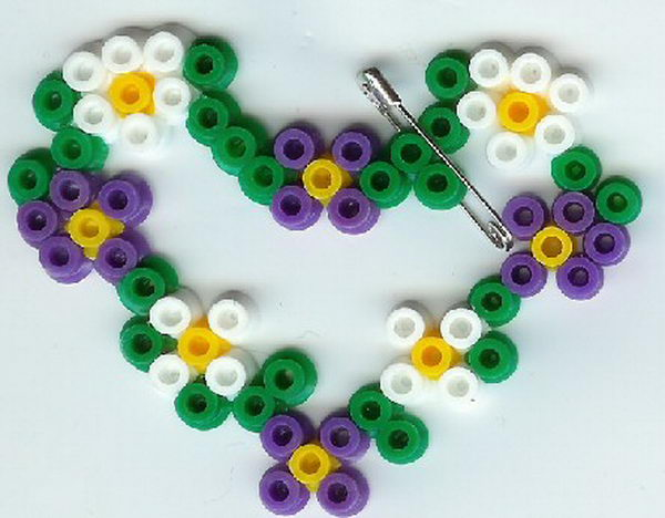 28 perler bead flower heart
