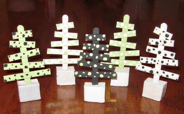32-homemade-stick-xmas-trees
