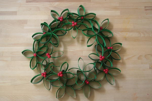 10 toilet paper roll wreath