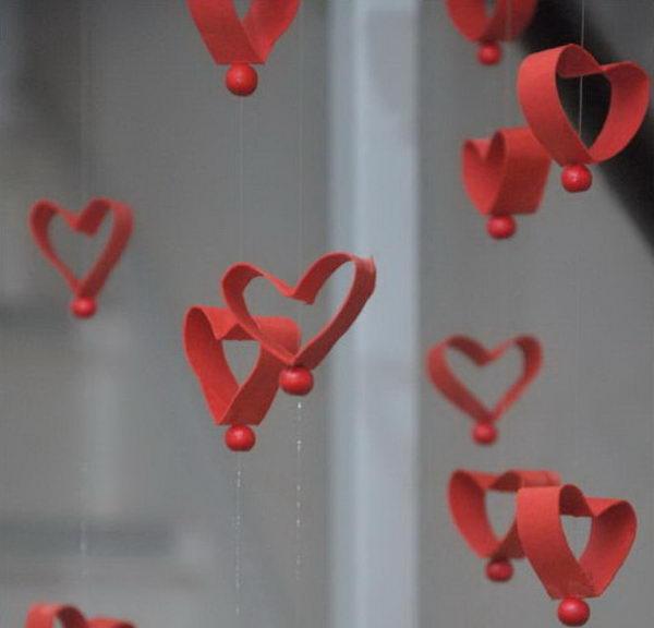13-homemade-valentine-garland