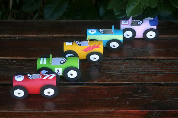 20 homemade transport themed toilet paper roll crafts for Car craft for kids