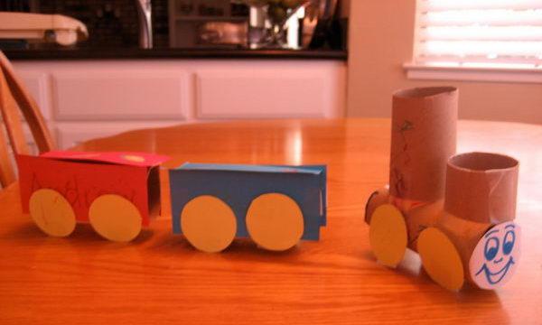 19-diy-toilet-roll-trains