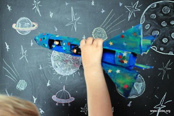 4-diy-space-rocket