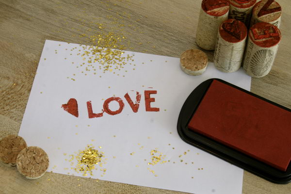 12 diy wine cork stamps