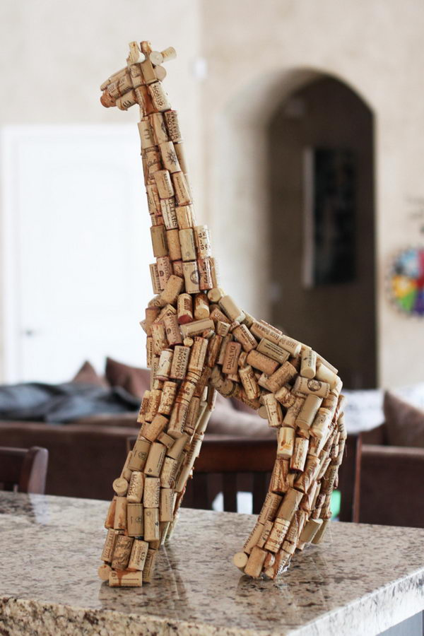 20 wine cork giraffe