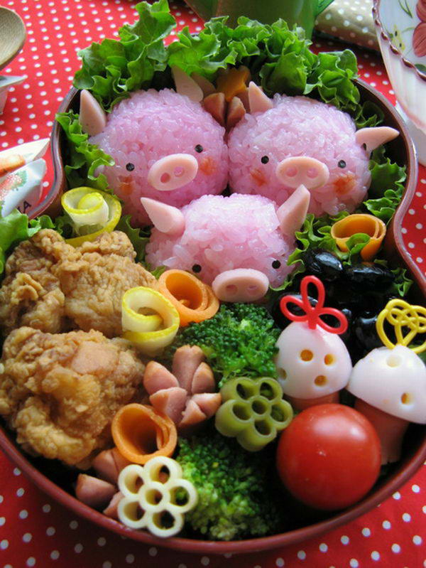 5 three pigs lunch box