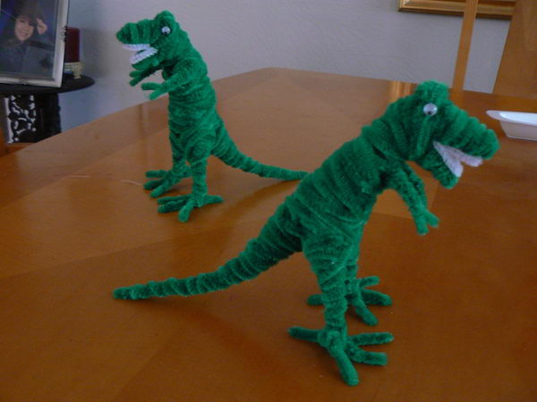 16-pipe-cleaner-dinosaur