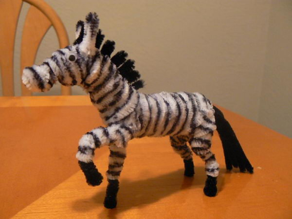 18-pipe-cleaner-zebra