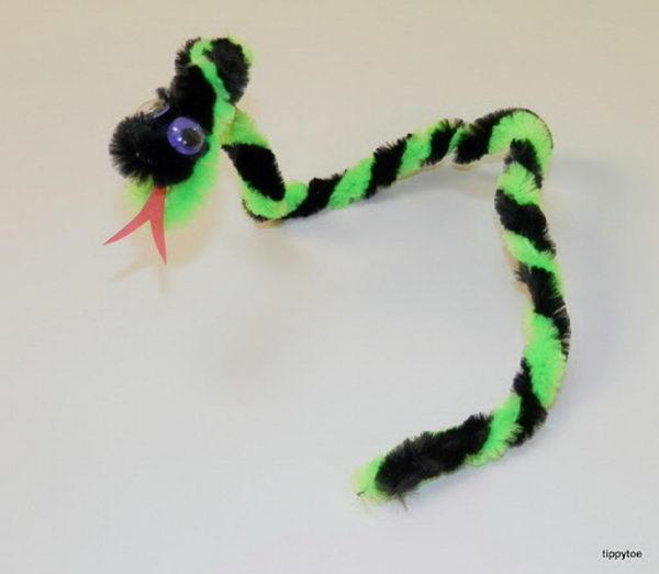 24-slithering-snake