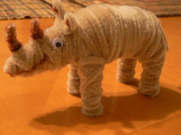 36-pipe-cleaner-rhino