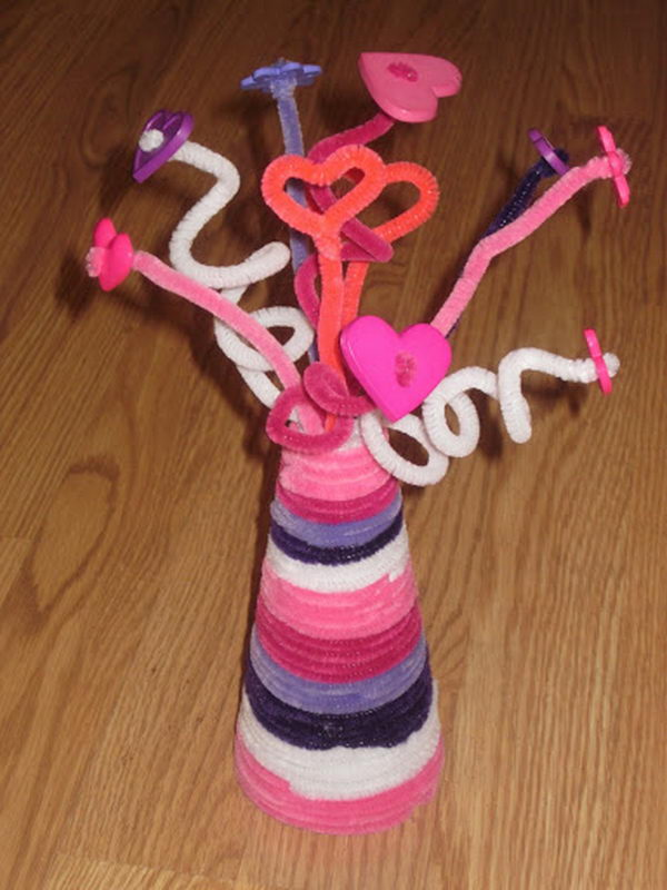 2 pipe cleaner vase button flowers