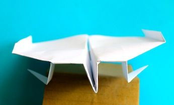 Mantis Paper Airplane. This mantis design comes with its own landing gear.