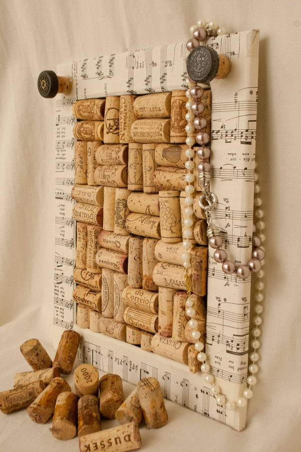 This wine cork board has a sheet music frame. A great idea for wall decoration.