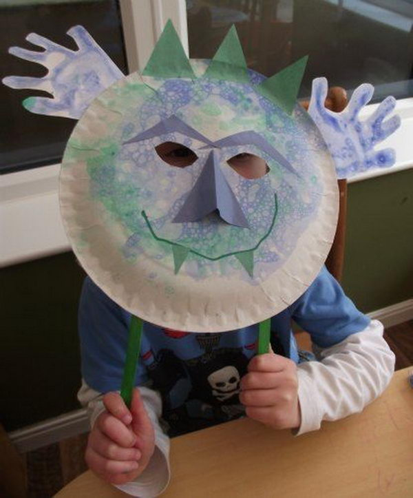 Soap Bubble Monster Mask. DIY Halloween Mask Crafts for Kids, which are embellished in rich colors and fine design. They are perfect props for Halloween pretend play which fosters imagination and creativity in children.
