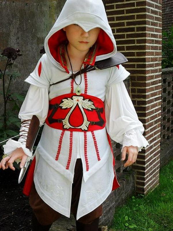Ezio Costume. Super Cool Character Costumes. With so many cool costumes to choose from, you have no trouble dressing up as your favorite sexy idol this Halloween.