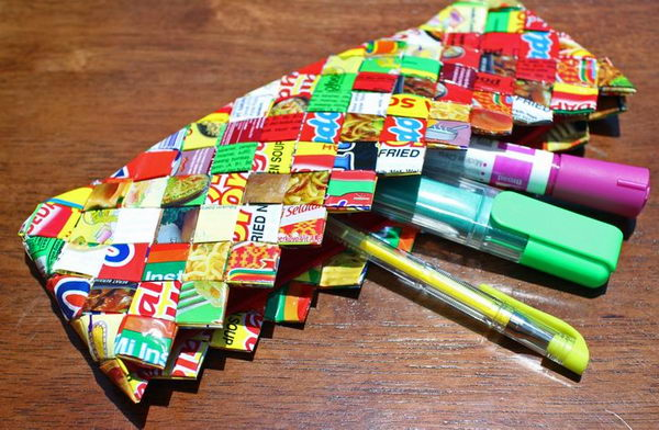 Paper Craft Pencil Case. There's nothing like a cool pencil case full of cool pencils, erasers and accessories to excite your kids' imagination and ignite their creative and linguistic passions. Show how much you care about them.