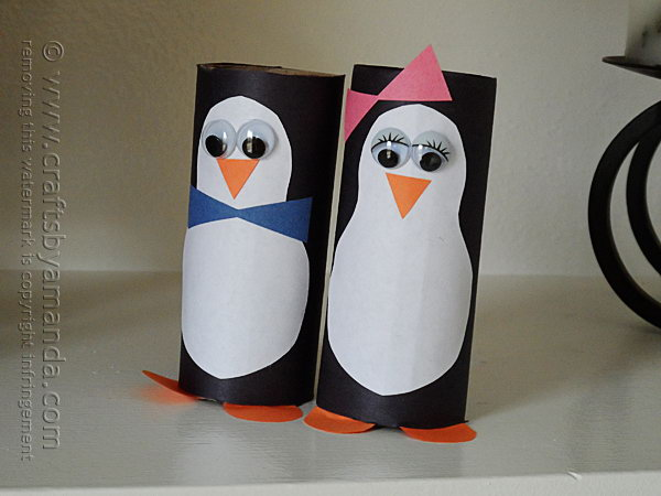 It would be fun to create some cardboard tube penguins. These are really easy for kids to make and they're oh so adorable.