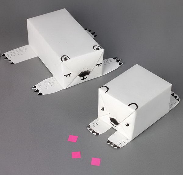 Cute polar bear gift wrap idea,