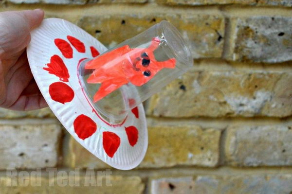 This Paper Plate Alien Spaceship is a great craft for Preschoolers exploring space.