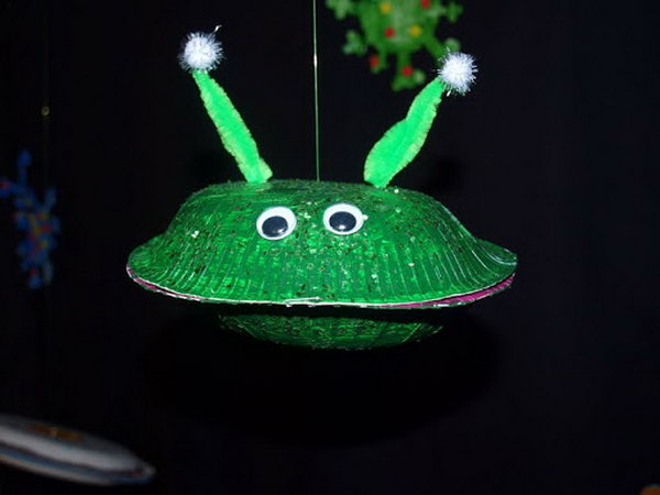 This fun and simple paper plate alien spaceship craft would grab every kids' attention.