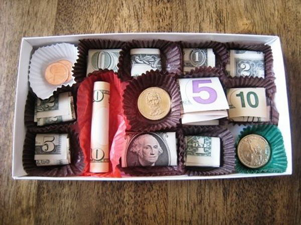 This candy box care package is creative and practical at the same time.