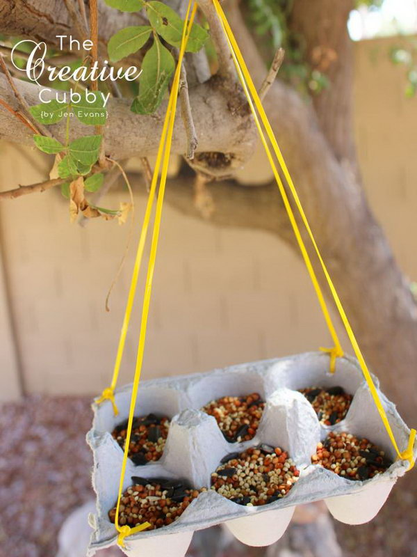 Egg Carton Bird Feeders are a great way to recycle egg cartons while feeding the beautiful birds of the world. With minimal supplies, you can create an eco friendly way to invite little guests into the yard.