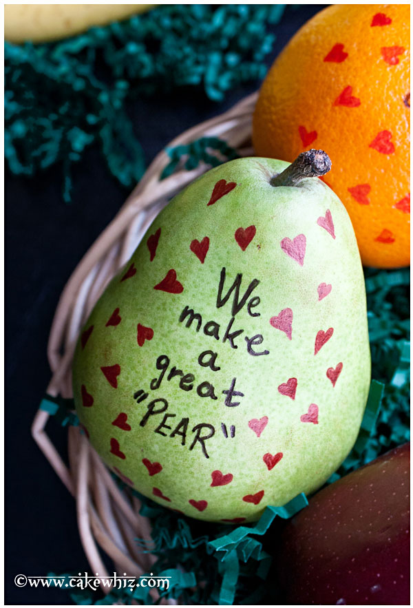 We make a great pear. It would be fun to make with kids or surprise them by putting these adorable fruits in their school lunch boxes or even hubby's lunch box.