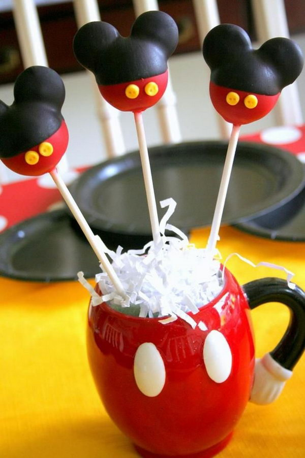 Your kids will enjoy these Mickey Mouse cake pops and this coffee mug is also very interesting. This cute Mickey Mouse cake would surely make your kids happy and make their mouth watering.