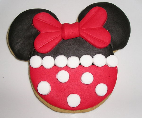 Any kids must be impressed by this Red Minnie Mouse Sugar Cookies for its cute shape and fun flavor. Each cookie is decorated with vanilla flavored fondant and wrapped with a clear cellophane bag and tied with a beautiful ribbon.
