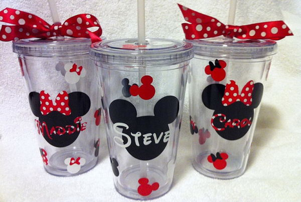 This colorful Mickey tumbler is perfect for any occasion! I really love its Mickey mouse pattern and the matching bow ribbon. It's a perfect match for the theme of the party.