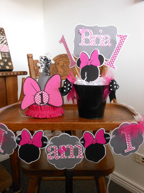 This amazing party package of matching decorations may make your purchasing process easier by saving your efforts from combined order. All the items can be specialized for your dear kids by wring their names on these adorable items.