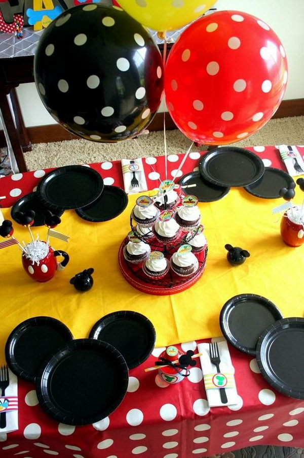This party is so much fun. I just wonder how the black paper plates were used to make a Mickey Mouse silhouette. It's really such a wonderful artpiece full of creative ideas.