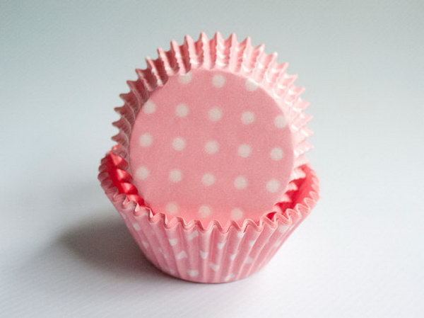 Want to make your Minnie Mouse themed party supply extra festive? Try these pink polka dot cupcake liners. These adorable polka dot cupcake liners are wonderful decorations for your cupcake.