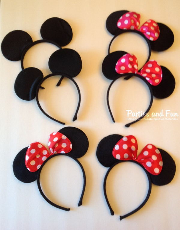 For the Minnie mouse themed party, you can't miss such favors. The Minnie and Mickey mouse ears are wonderful headband for such a party to display the adorable look.