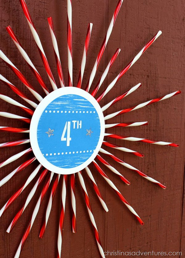 Patriotic Wreath Made From Striped Straws. Easy craft project which costs less than 30 minutes and about $2. So cute and creative.
