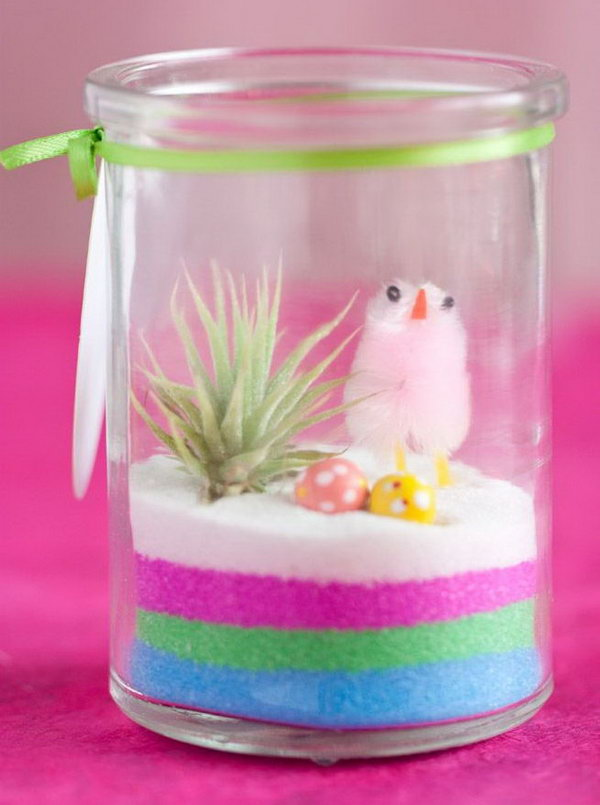 Mini Easter terrarium. It's So cute with the chicks and colour stripes. The mini terrarium is a perfect gift for the active mom and it would be a cool holiday gift especially for Easter.
