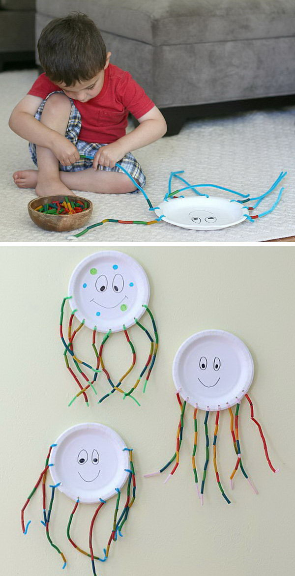 Fine Motor Octopus Craft for Kids. This is a fun and easy summer craft for kids. It provides  counting and fine motor practice for kids.
