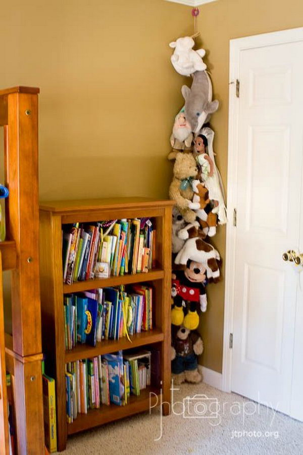 Hang a Rope with Clothespins for an Easy Stuffed Toy Storage