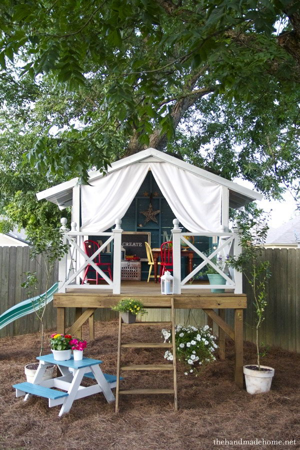 Pallet Handmade Hideaway for Kids.