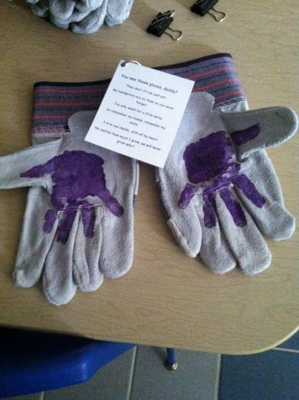 Handprint Gardening Glove