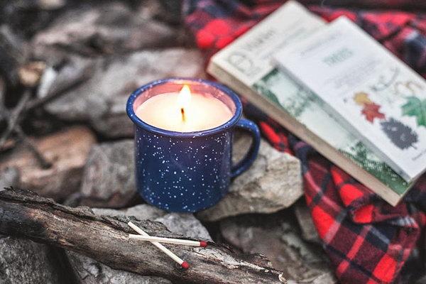DIY Camp Mug Candle. Get the steps