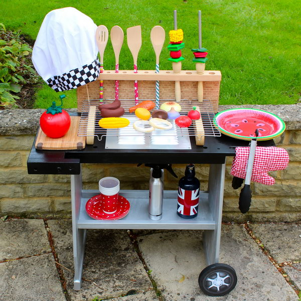 DIY Play Kitchen Perfect for BBQ. See the step by step tutorial