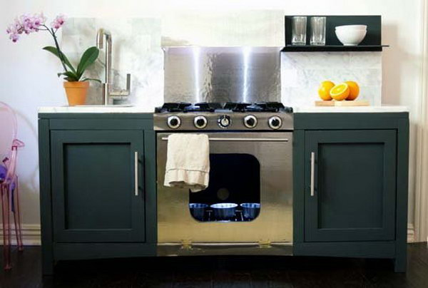 Elegant Play Kitchen. Get the tutorial
