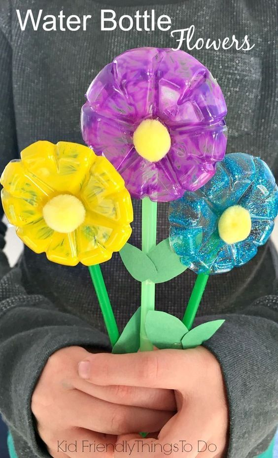 Water Bottle Flowers Craft for Kids.