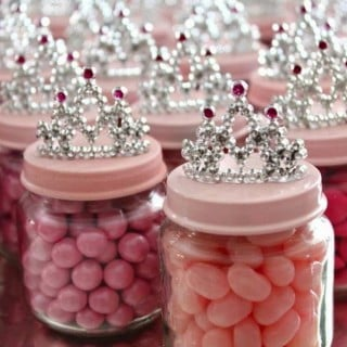 20 DIY Baby Shower Ideas & Tutorials for Girls