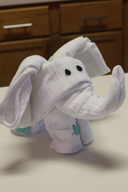 Fold Baby Blankets into Elephant Shape as Gifts.